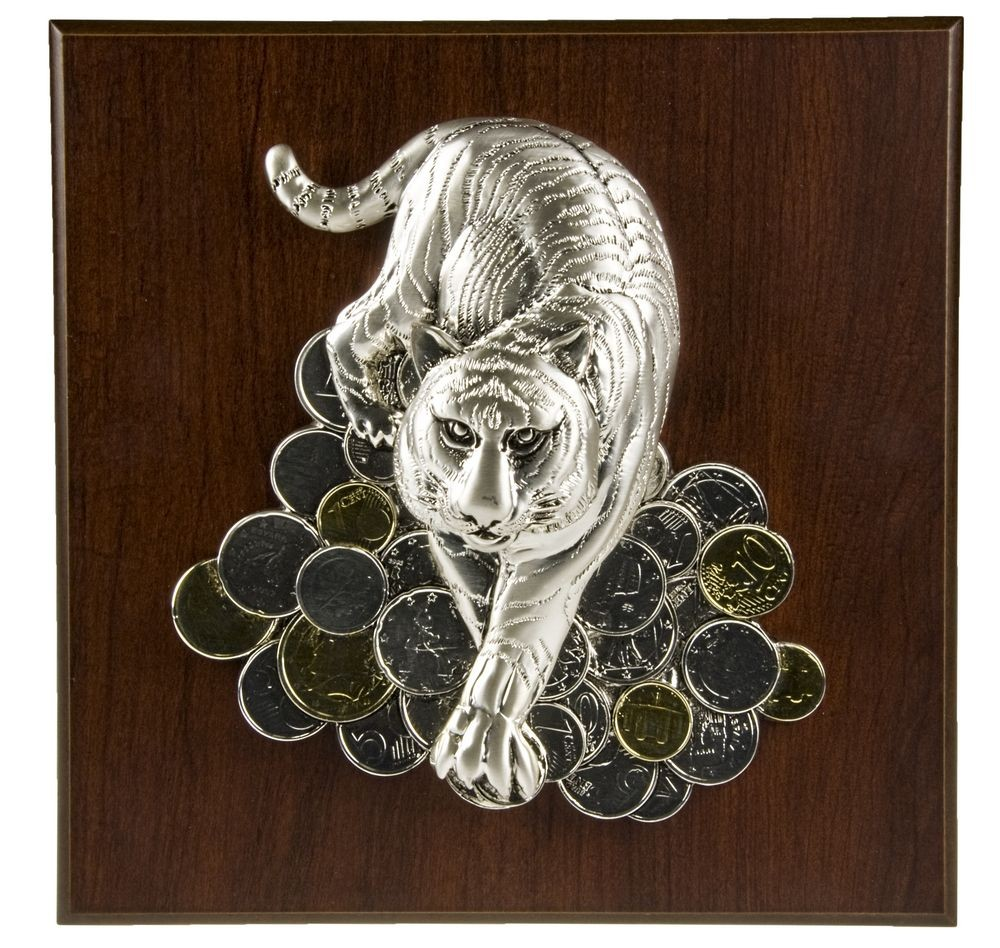 Плакетка большая «Тигр на монетах»